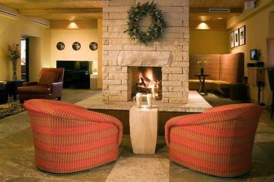 The Blonde Bear Tavern : Fireplace