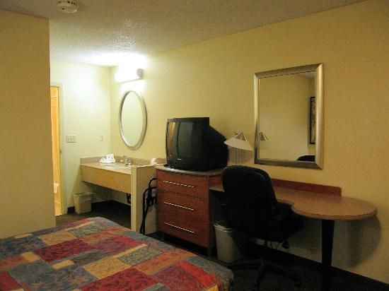 Motel 6 Dayton Englewood: Room 156