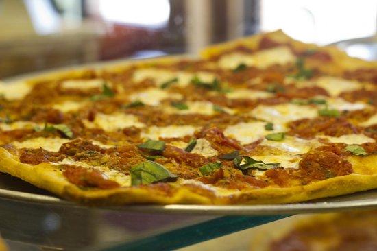 Zio's Trattoria Pizzeria