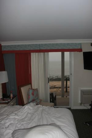 Surfside Hotel & Suites: Beachside room