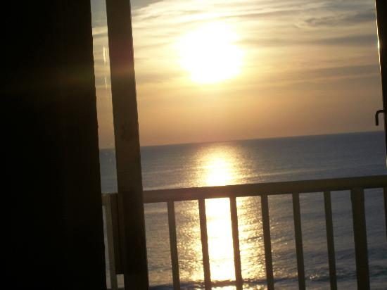 Atlantic Oceanfront Inn: Picture I took from our room