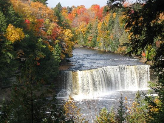 Paradise, Μίσιγκαν: Upper Falls