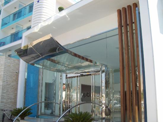 Blue Bay Platinum Hotel: hotel exterior