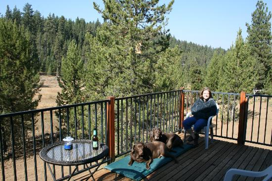 Bear Creek Lodge: our deck with view
