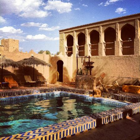 Hotel Kasbah Mohayut: The pool area