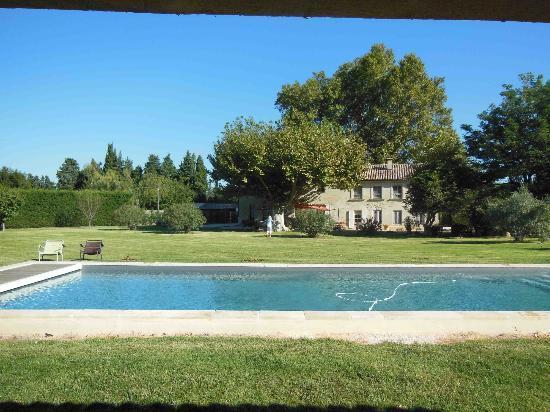 La Ferme de Gigognan : Hotel and grounds