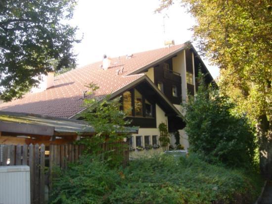 Ganser Alpine Apartments: Outside of Ganser House