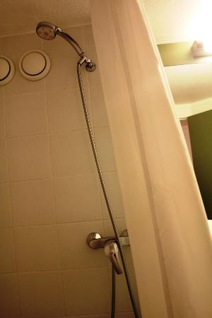 Ibis Budget Nice Palais Nikaia: Shower tools