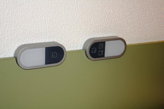 Ibis Budget Nice Palais Nikaia: Lighting Control from bed