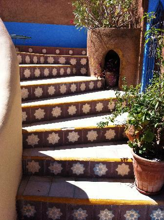 Dar Gabriel: Stairs to terrace