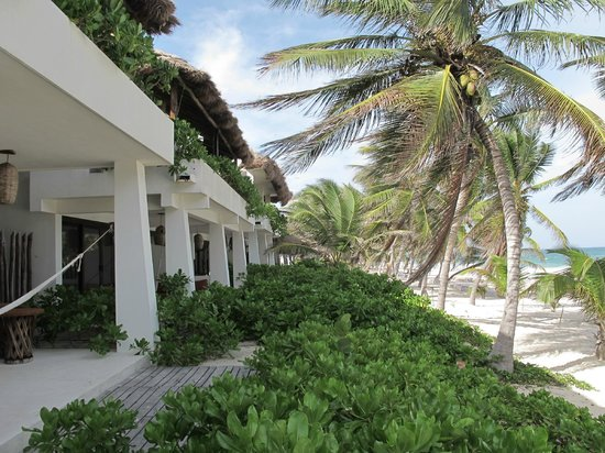 Cabanas Tulum: Beach side rooms