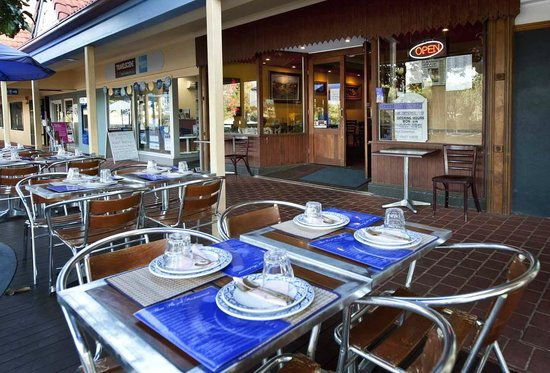 The 10 best restaurants near great divide motor inn toowoomba for Aroma royal thai cuisine