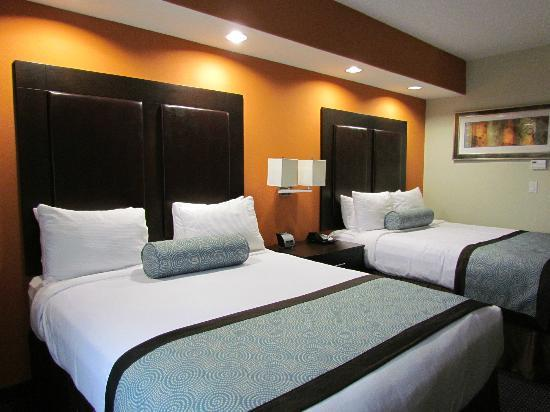 SpringHill Suites Waco Woodway: Queen Suite sleeping area