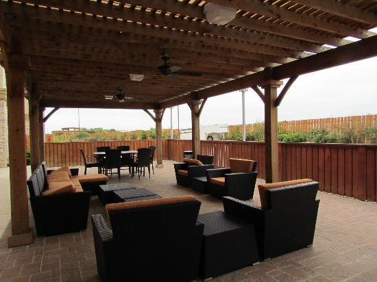 SpringHill Suites by Marriott Waco Woodway: Veranda
