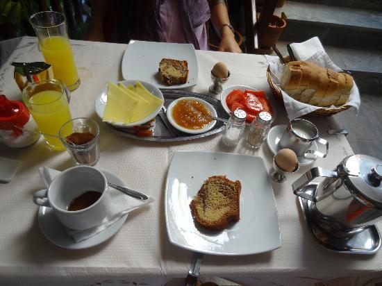 Hotel Thalia Palekastro: la super colazione con prodotti locali, consigliatissima!