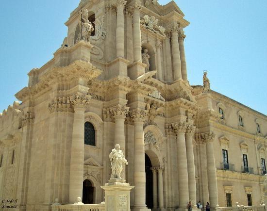 Duomo di Siracusa : Vista de la Catedral.