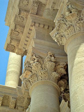 Duomo di Siracusa : Detalle de las columnas externas.