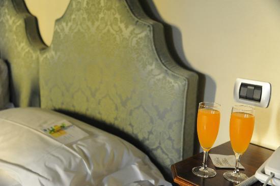 Dimora Casa Eugenia: Stanza verde con aperitivo di benvenuto