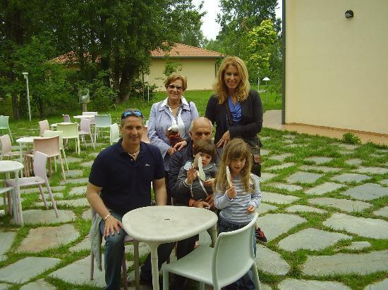Hotel Tramonto d'Oro: Sabrina,Maurizio,Morena,Gimo e Nonna Vanda
