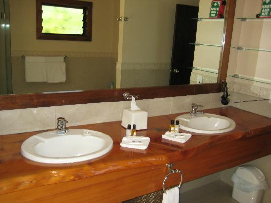 Rendezvous Villas: Villa 1 - Bathroom