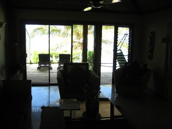 Rendezvous Villas: Looking out from the lounge room