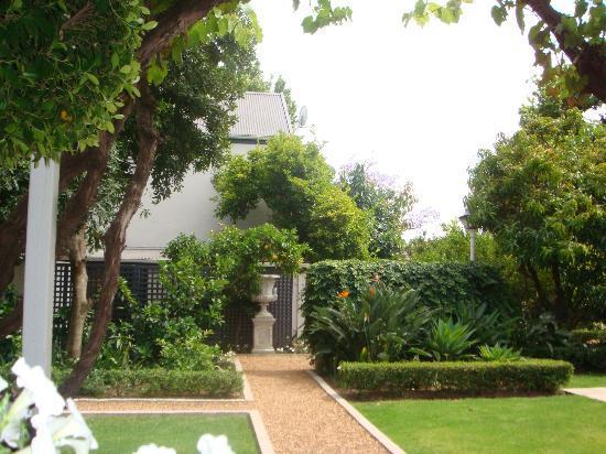 Middedorp Manor: jardines