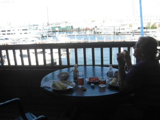 Wyndham Newport Onshore: Enjoying lunch on our western porch overlooking harbor