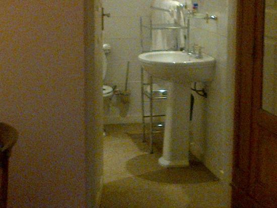 Springfontein Guesthouse: Bath & Shower