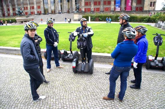 City Segway Tours: Hello Cock Features