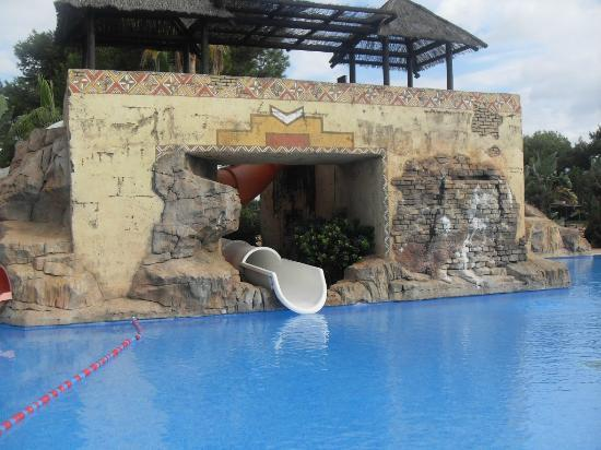 Protur Safari Park Aparthotel: top pool area