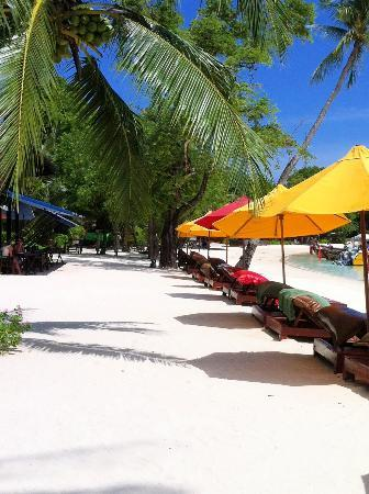 Zeavola Resort: White Sandy Beaches