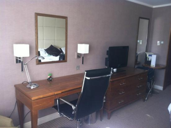 Holiday Inn Birmingham-Bromsgrove: Executive bedroom