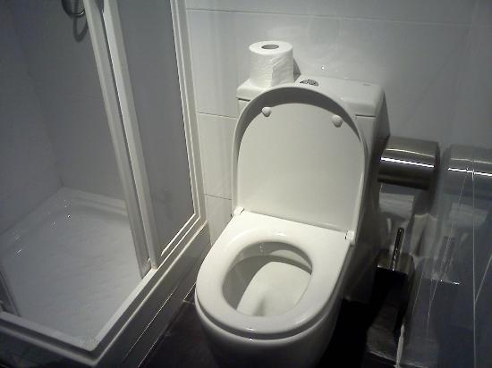 Hostel Fina: il bagno
