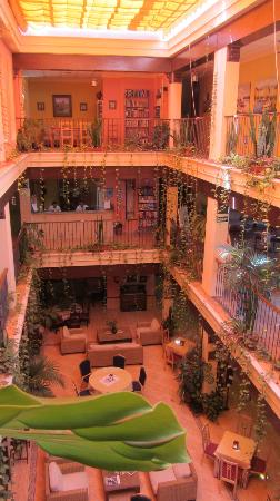 Hotel Pinomar: Patio interior