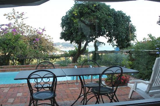 B&B Al Lizzo : vista dalla sala per colazione