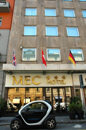 Mec Hotel : The Entrance