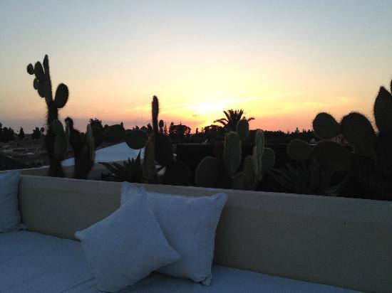 Dar Mo'da: Puesta de sol desde la terraza superior