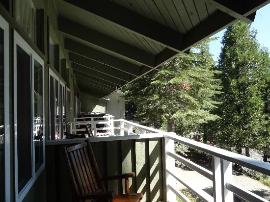 Narrow Gauge Inn: Balcony view