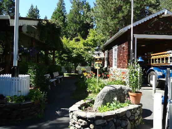 Narrow Gauge Inn: Outside the reception area