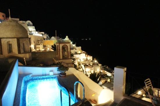 Villa Renos: Night view from the balcony
