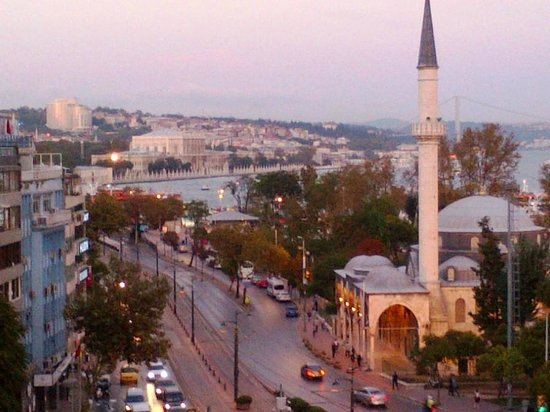 Anjer Hotel Bosphorus: Early evening view from 6th Floor Marbien (2)