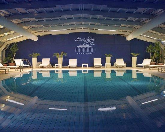 Atlantic Hotel Riccione: Piscina coperta con acqua di mare a 30°