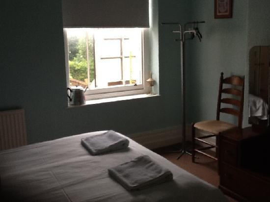 Flat 5 Cardiff: bedroom Apt B Kings road
