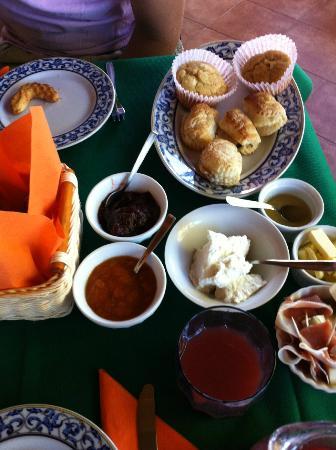 Villa Sogno Charme e Relax Selinunte: Ontbijt, zelfgemaakt door gastvrouw