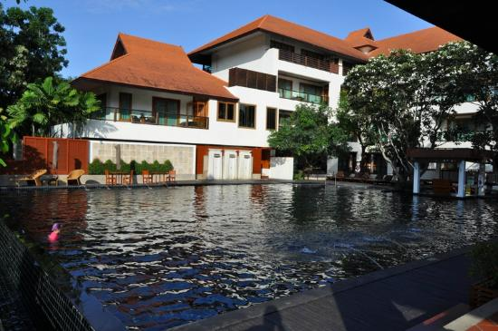 Ratilanna Riverside Spa Resort Chiang Mai : piscina