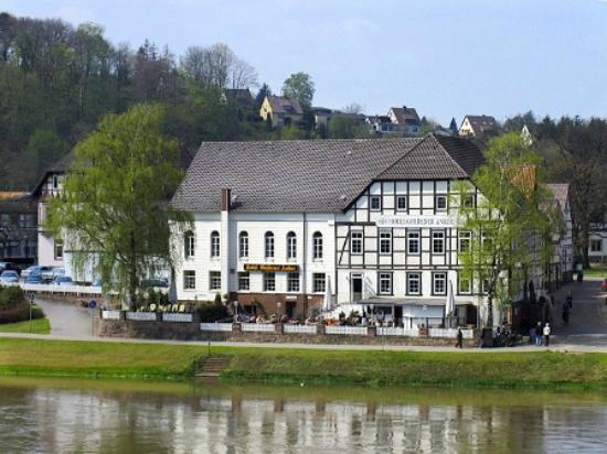 Hotel Goldener Anker: Goldener Anker vom gegenüber liegenden Ufer