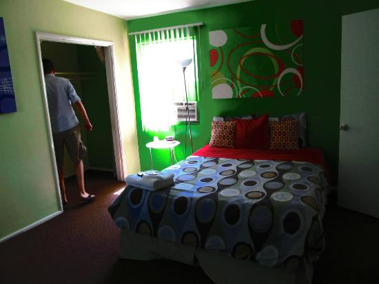 Vibe Hotel: Our Room