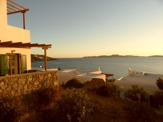 Mykonos Grand Hotel & Resort: Close to sunset
