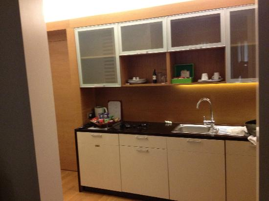 Ansen Suites: with kitchenette