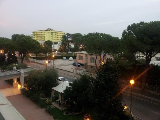 Hotel Abano Terme Cristoforo: Veduta dalla camera